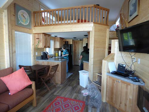 10tiny-house-inside